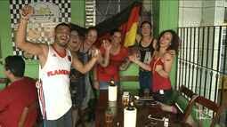 Torcedora comemora a virada da Alemanha em São Luís