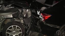 Acidente envolvendo 10 veículos na BR-101 deixa cinco feridos em Campos, no RJ