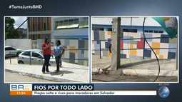 Moradores reclamam de fios expostos em rua no bairro do Doron, em Salvador