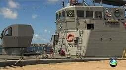 Navio da Marinha do Brasil está aberto para visitação em Aracaju