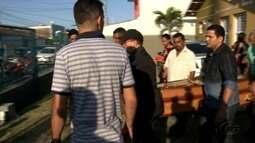 Sepultado em Jaraguá corpo de taxista assassinado quando trabalhava