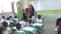 Professora do Tocantins escreve cartas para alunos praticarem escrita