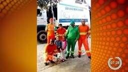 Irmãs preparam surpresa para homenagear coletores de lixo em São José