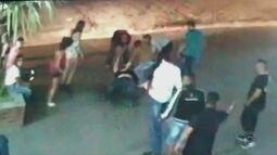 Rapaz que 'apagou' com soco na porta de boate morre após 18 dias internado