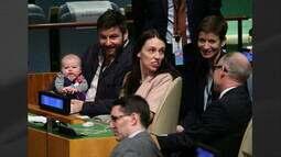 Filha da premiê da Nova Zelândia é o primeiro bebê a participar da Assembleia Geral da ONU