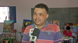Professor transforma espaço sem uso em ateliê de pintura para jovens em Cuiabá