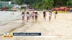 Brincadeira de criança: série mostra como pequenos se divertem no litoral da Costa Verde