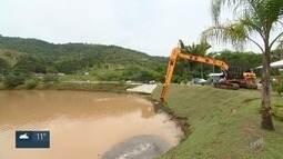 Obras de desassoreamento de represas auxiliam cidades da região no armazenamento de água