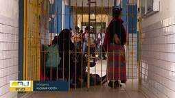 Profissionais de educação de Cabo Frio, RJ, fazem paralisação parcial