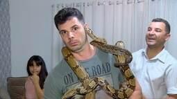 Do clipe 'Veneno' de Anitta, para o Mix. Jonas até pegou as cobras, corajoso esse menino!
