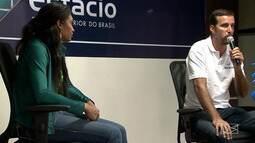 Marcelinho e Iziane participam de palestra com estudantes, em São Luís