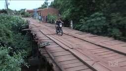 Motoristas e pedestres reclamam da interdição de uma ponte de Timbiras