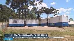 Escola improvisada em contêineres oferece riscos a alunos e professores na Serra de SC