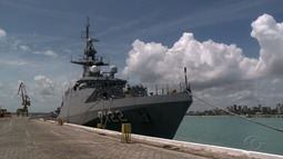 Navio-patrulha oceânico Araguari está aberto à visitação