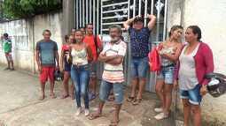 Comunidade pede volta de energia que foi cortada por causa da cheia do Rio Juruá