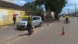 Detran faz blitz de conscientização contra o mosquito da dengue em Rio Branco