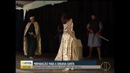 Grupo de teatro se prepara para encenação na Semana Santa