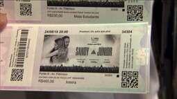 Fãs se organizam nas filas para comprar ingressos de Sandy e Junior em São Paulo