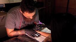 'Plugue' entra na onda das tattoos – Parte 2