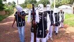 Em Barbalha, penitentes ocupam cemitérios e igrejas