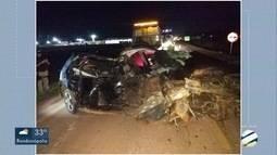 Homem morre depois de bater o carro em caminhonete na BR-163, em Sinop