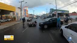 Flagrante: carro e moto se envolvem em batida na Avenida Fernandes da Cunha, na Calçada