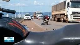 Homem morre após acidente envolvendo motos na ponte Fernando Henrique Cardoso