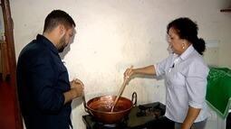 Produtora de Jataí ensina como fazer geleia de leite