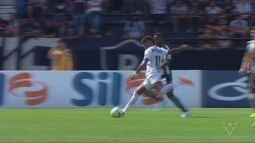 Santos derrota o Botafogo fora de casa e cola na liderança do Brasileirão
