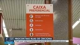 Procon de Criciúma faz fiscalização para garantir atendimento prioritário a autistas