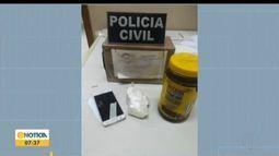 Jovem é presa por tráfico de drogas em Coronel Fabriciano