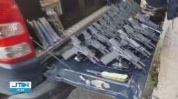 Polícia Rodoviária Federal apreende arsenal de armas no Vale do Ribeira