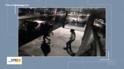 Ladrões cortam porta de aço para roubar loja em Edeia; vídeo
