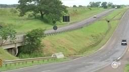 Trecho da Rodovia Marechal Rondon é interditado devido à chuva em Penápolis