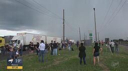 Moradores e trabalhadores pedem a construção de passarela em Santa Cruz da Conceição