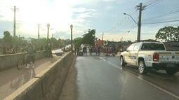 Moradores do bairro da Paz, em Rio Branco protestam por melhorias após cheia