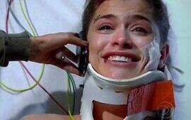 Luciana chora ao ouvir os pais