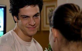 Miguel visita Luciana e ela conta porque quer voltar pra casa amarela