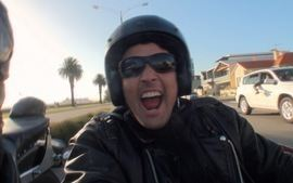 Ep.06 - Bruno faz um tour por Melbourne no sidecar de uma Harley Davidson