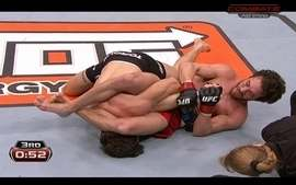 Mike Rio vence John Cofer por finalizao pelos peso-leve no TUF 16 finale