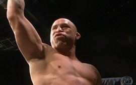 Wanderlei Silva vence por nocaute no UFC realizado no Japo