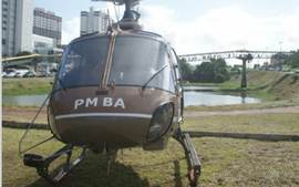 Grvida  resgatada de helicptero no trnsito para dar  luz, em Salvador