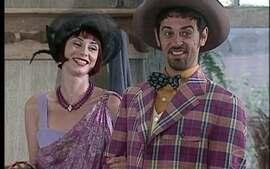 Januário chega na fazenda e apresenta Kiki como sua noiva
