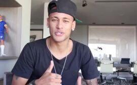 Fã do imperador! Neymar deseja boa sorte para Adriano na volta ao futebol