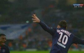 Gol do PSG! Maxwell cruza da esquerda e Ibrahimovic manda para a rede, aos 2 do 1T
