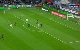 Gol do Olympique de Marselha! Cabella arrisca de longe e faz um golaço, aos 23 do 1T