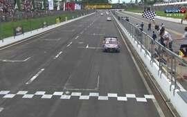 Stock Car: Cacá Bueno venceu a 1ª prova no Velopark e Diego Nunes conquista a 2ª