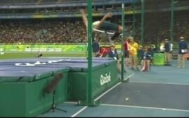 Flavio Reitz passa pela marca de 1.71m no salto em altura