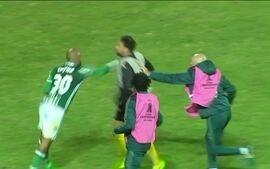 Palmeiras derrota Peñarol de virada, e jogo termina em pancadaria no Uruguai