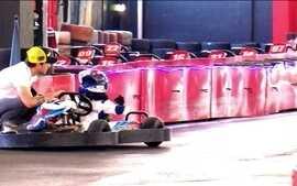 Pilotos Allam Khodair e Daniel Serra passam paixão pela velocidade para os filhos